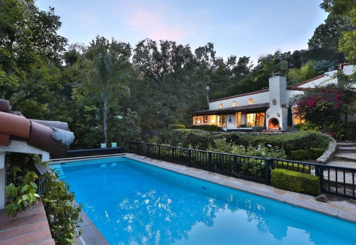 Katharine Hepburn S Hollywood Hacienda Hits The Market