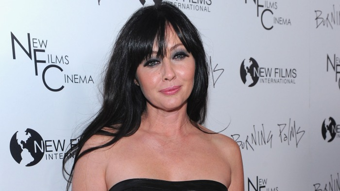 Shannen Doherty unloads her Seventies-style Malibu home for nearly ...