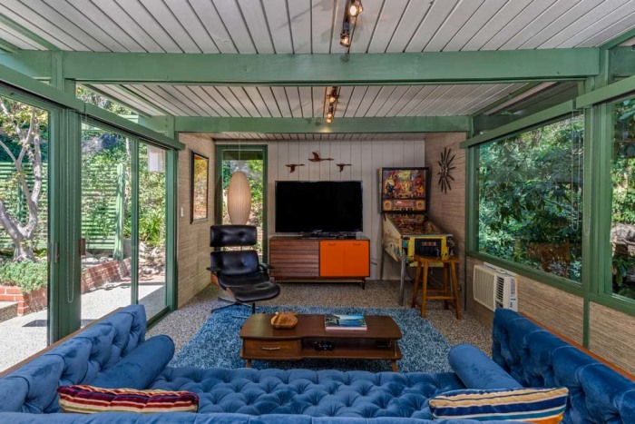 Bright 1950s Mid Century Modern Los Angeles Home Is For