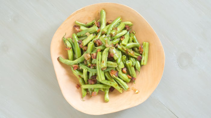 Green Beans with Shallots and Bacon