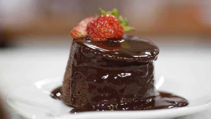 Microwave mini chocolate cake