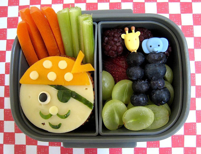 Pirate Bento Box & 5 cute and creative bento box lunch ideas for kids - First Vu ... Aboutintivar.Com