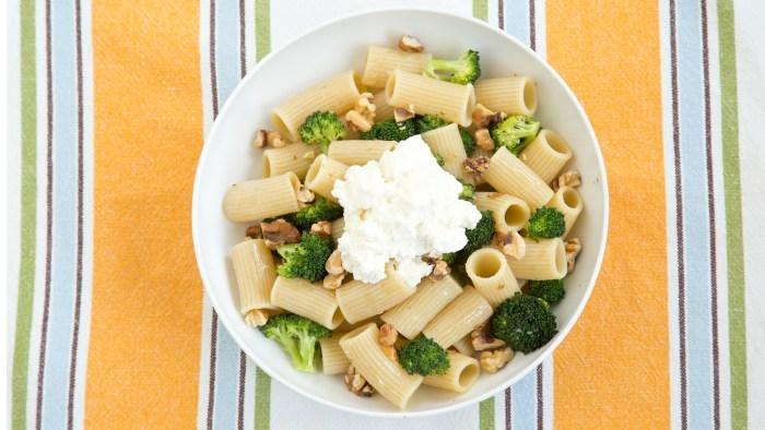 Rigatoni with Broccoli, Walnuts and Ricotta