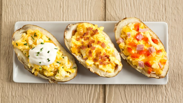 Breakfast Potato Boats Stuffed with Cheesy Eggs