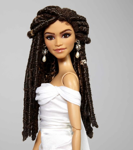 Zendaya Barbie looks just like Zendaya did at the Oscars in 2015 with dreadlocks