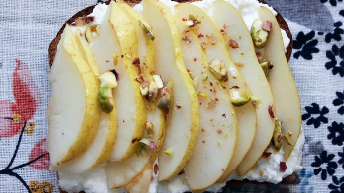Ricotta and pear toast