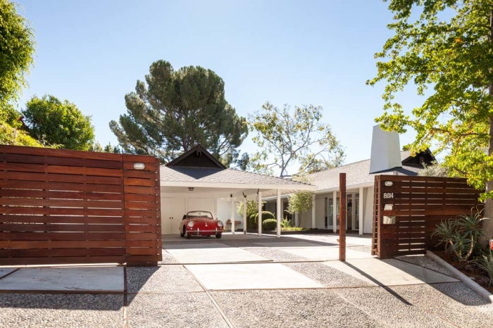Jonah hill lists mid century modern la home for 3 million for Mid century homes los angeles