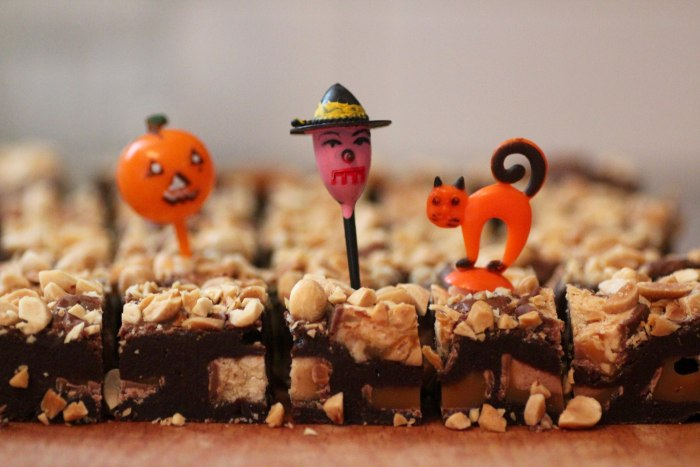 Halloween brownie made from candy bars