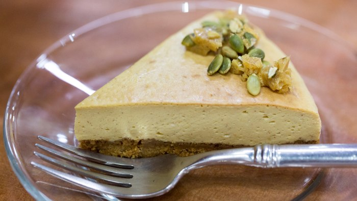 Marcela Valladolid makes pumpkin cheesecake for fall