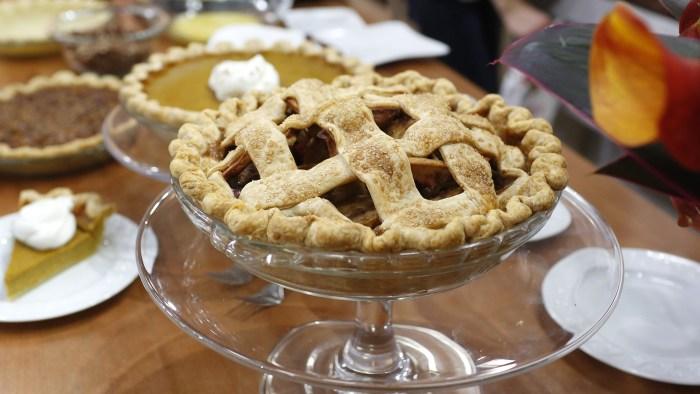 Spiced Apple-Cranberry Lattice Pie