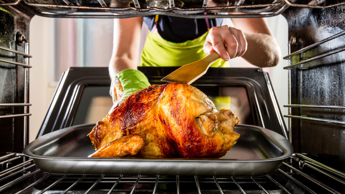5 Things You Should Never Do With Your Oven And 1 Thing