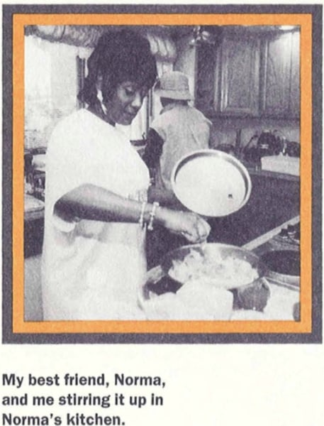 Patti LaBelle making sweet potato pie in 1999