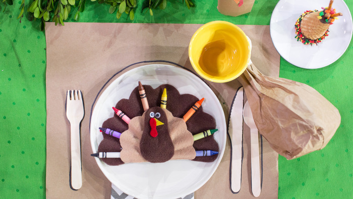 Thanksgiving Table Decor Ideas For The Adult And Kids