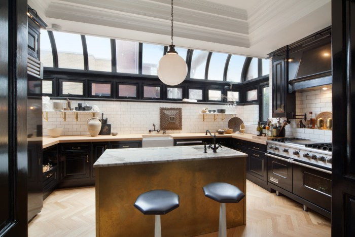 nate berkus and jeremiah brent list chic manhattan apartment