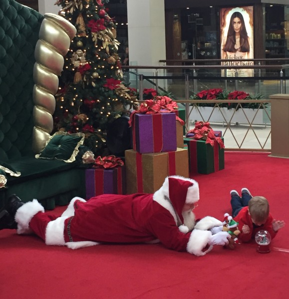 Musical Toys For Autistic Boys : Mall santa goes extra mile for boy with autism they just