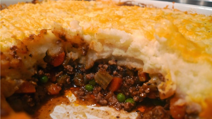 Siri Pinter's cheesy shepherd's pie recipe