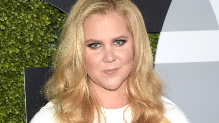 Amy Schumer Gives 'Hamilton' Bartenders Something To Sing About