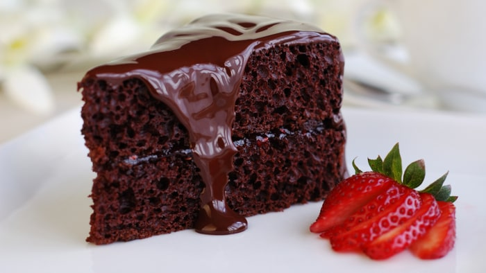 Double Layer Chocolate Cake With Chocolate Frosting