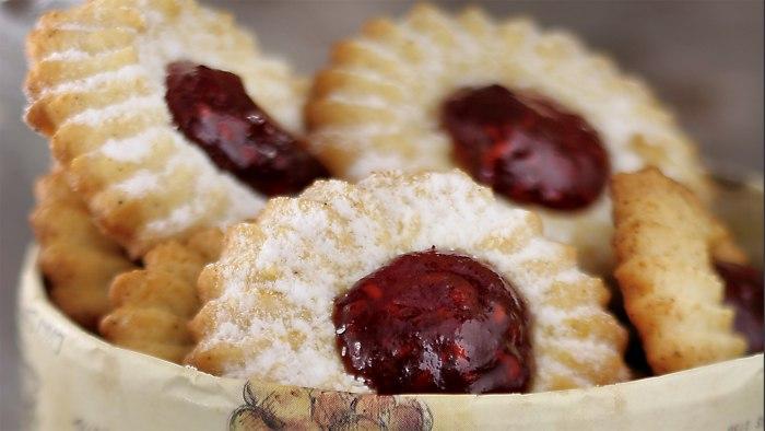 François Payard's Thumbprint Cookies with Raspberry Jam