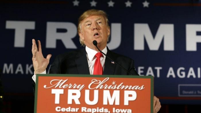 news donald trump will demand apology hillary clinton