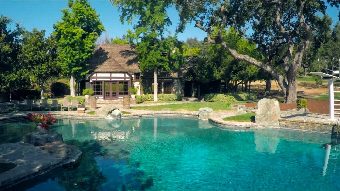 Michael Jackson S Neverland Ranch Is Back On The Market