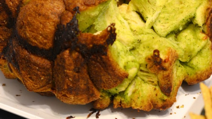 Garlic herb monkey bread by blogger Alejandra Ramos