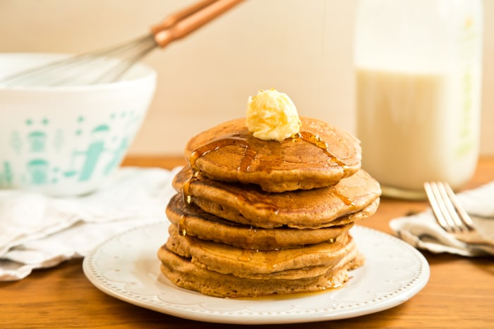Gingerbread pancakes for an easy breakfast
