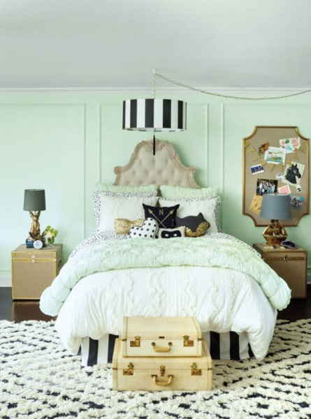 Jessica alba reveals her daughters 39 whimsical bedroom makeovers - Pretty green rooms ...