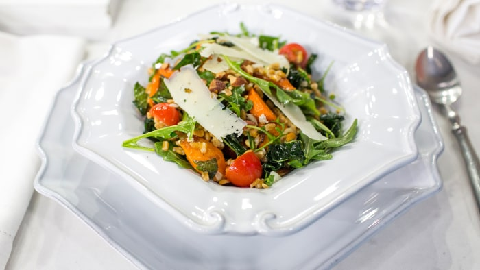 Al Roker makes a hearty, healthy farro and arugula salad with roasted carrots