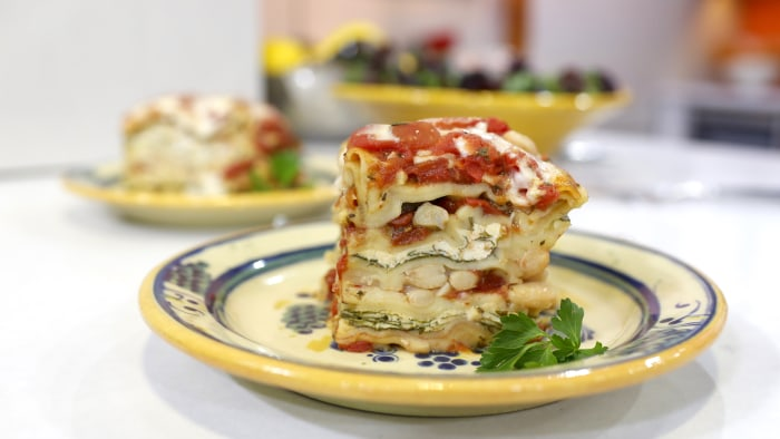 Wendy Bazilian makes her Luscious Lazy Slow-Cooker Lasagna