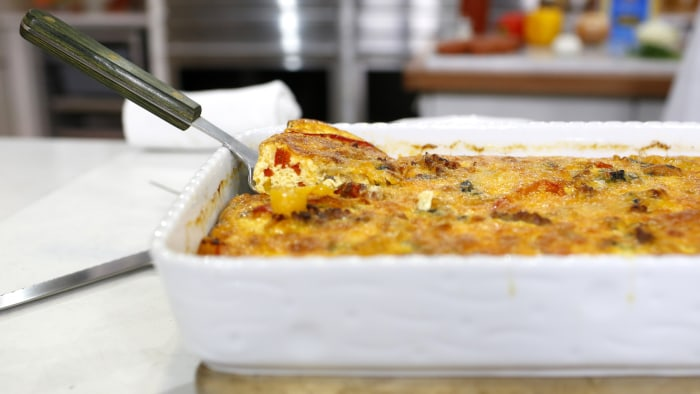 Kristin Sollenne cooks up an easy Italian Sausage and Peppers Breakfast Casserole