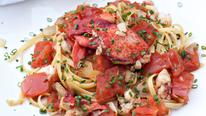 20-Minute Lobster Linguine with Chives and Tomato