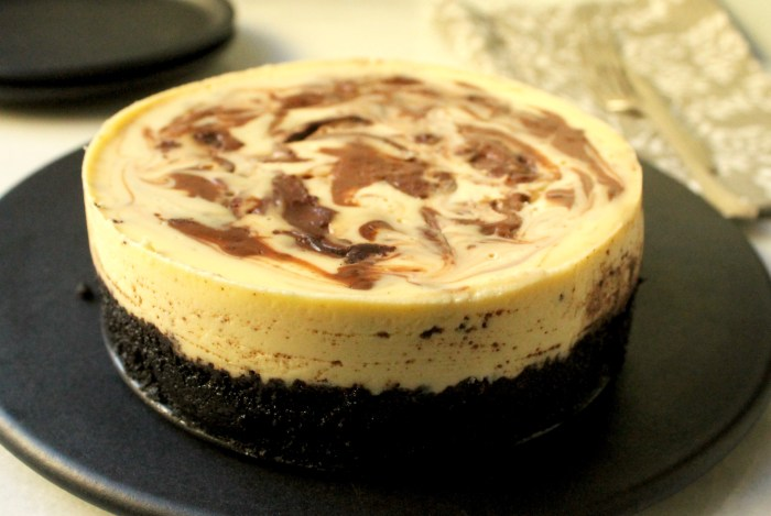 Slow Cooker Marble Cheesecake
