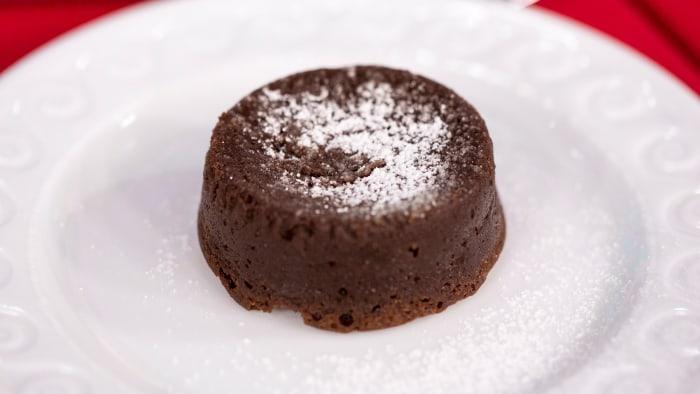 Easy Flourless Chocolate Cakes