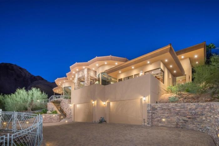 alicia keys lists arizona home with mountain views. Black Bedroom Furniture Sets. Home Design Ideas