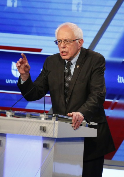 Is Bernie Sanders' suit blue, black or brown? Internet debates ...