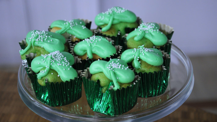 Justin Chapple St. Patrick's Day food hack: chocolate clover cupcakes