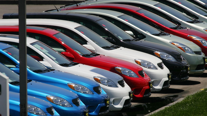 Toyota Surpasses GM In Sales For First Time
