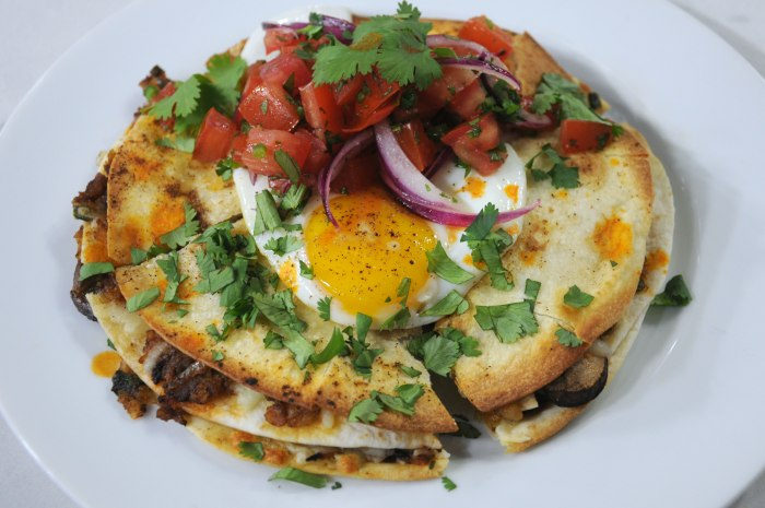 Hashbrown and mushroom quesadilla with fried egg and salsa for Brunch with bobby recipes