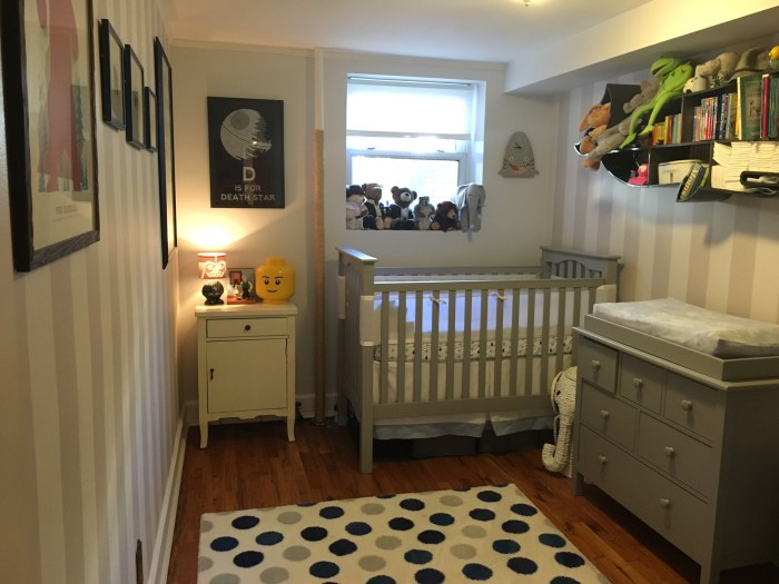 Nursery decorating ideas and tips 18 things i wish i 39 d for Best way to decorate a small room