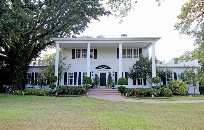 Joanna Gaines mansion