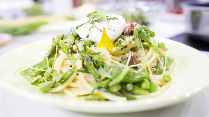 Al Roker's recipe for Bucatini Carbonara Primavera