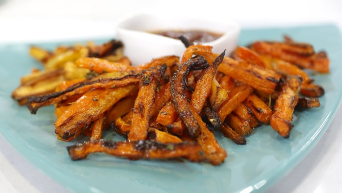 Healthy carrot fries