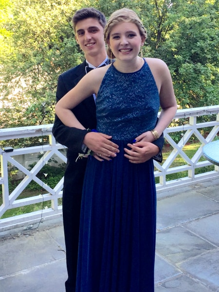 Girls Honor Friend Who Died Of Cancer By Wearing Her Prom