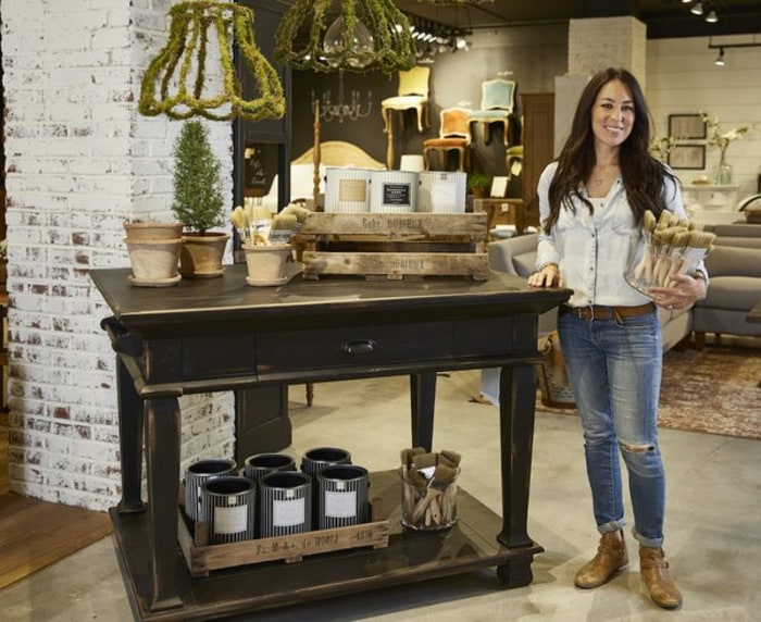 39 fixer upper 39 joanna gaines announces new paint line magnolia home paint Joanna gaines home design ideas