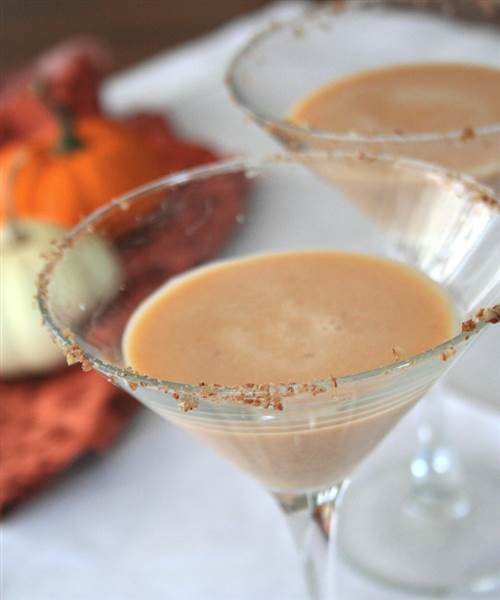 11 Easy Thanksgiving Cocktail Recipes That Are Delicious