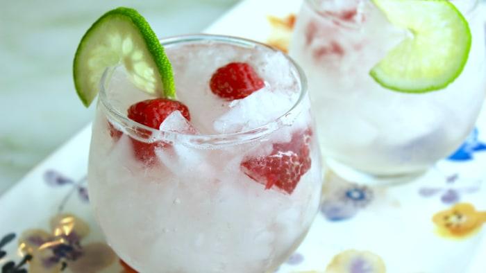 Cinco de Mayo cocktail recipe: Fresh raspberry margarita