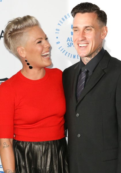 Pink Tells Ellen Degeneres About Marriage To Carey Hart