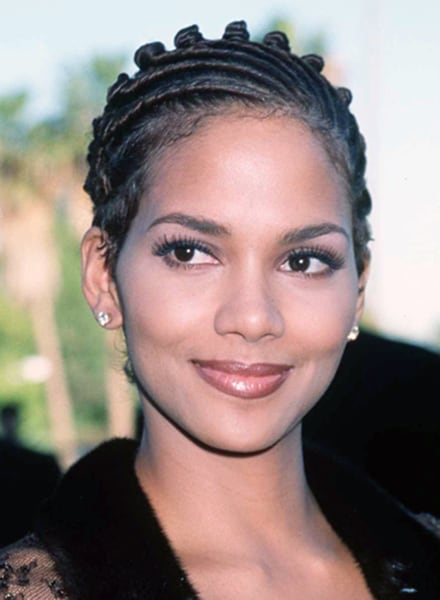 Halle Berry S New Short Hairstyle Is A Bowl Cut Today Com