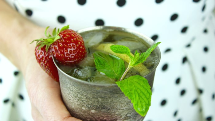 Champagne mint julep recipe for your Kentucky Derby party